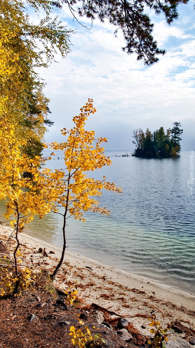 Wysepka na jeziorze Turgoyak