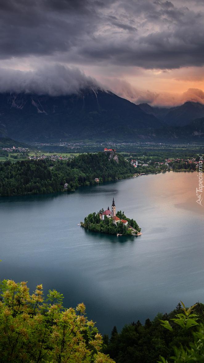 Wyspa Blejski Otok na jeziorze Bled