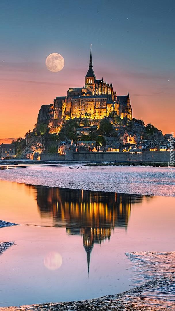 Wyspa Mont Saint-Michel we Francji
