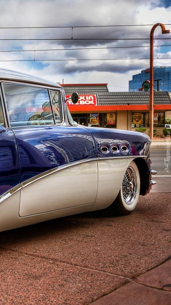 Zabytkowy Buick Special Riviera