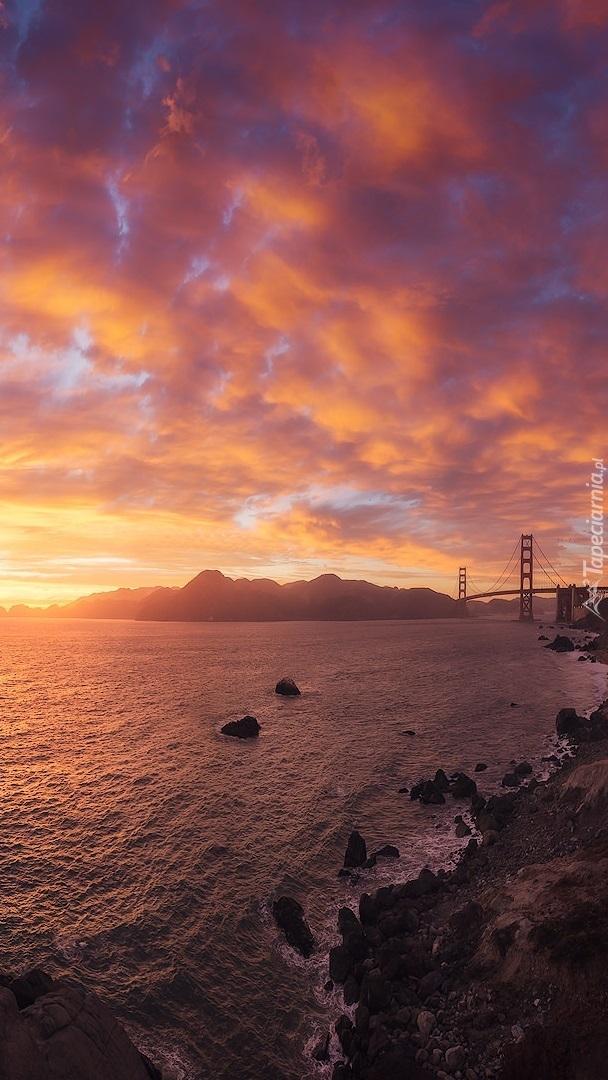 Zachód słońca nad cieśniną Golden Gate
