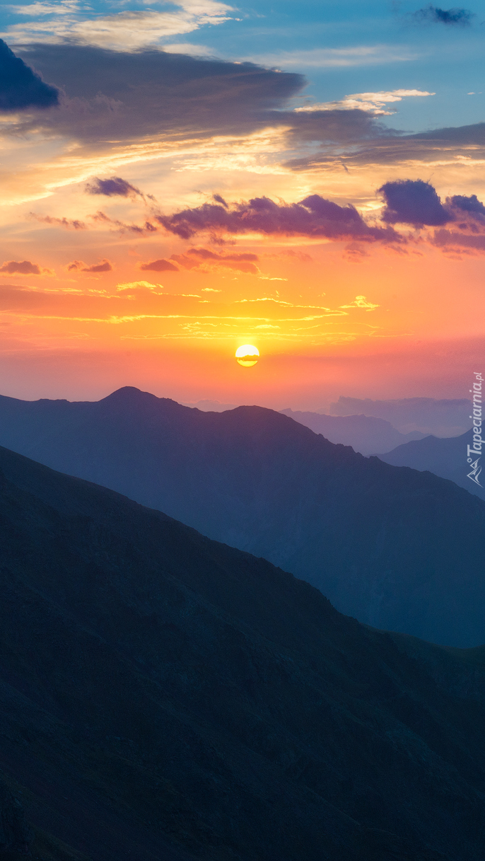 Zachód słońca nad górami Kaukazu