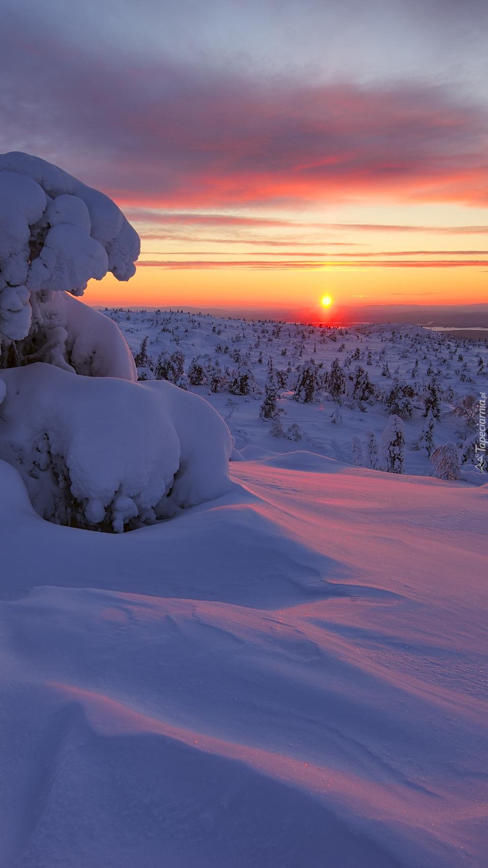 Zachód słońca nad Półwyspem Kolskim