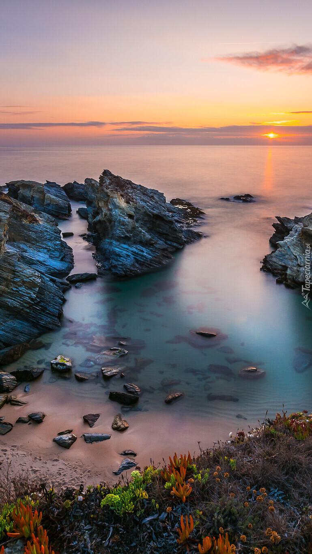 Zachód słońca nad zatoczką