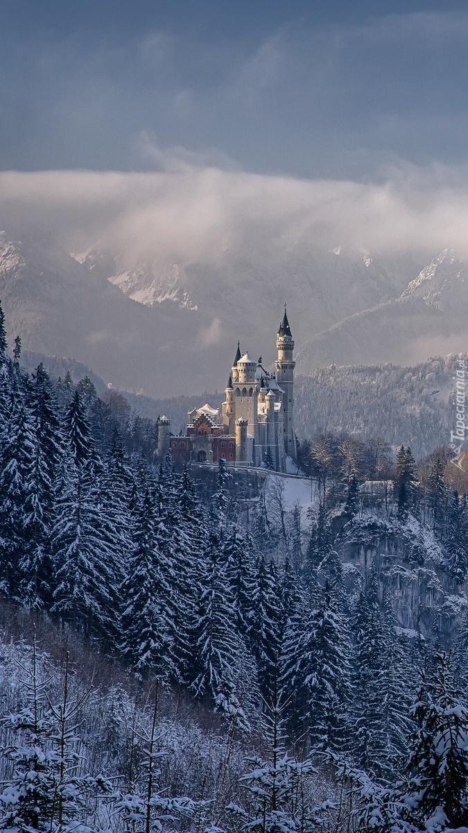 Zamek Neuschwanstein w zimowej odsłonie
