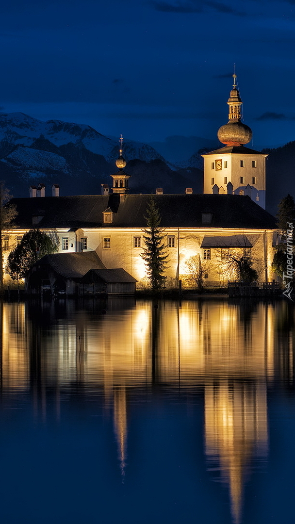 Zamek Ort nocą