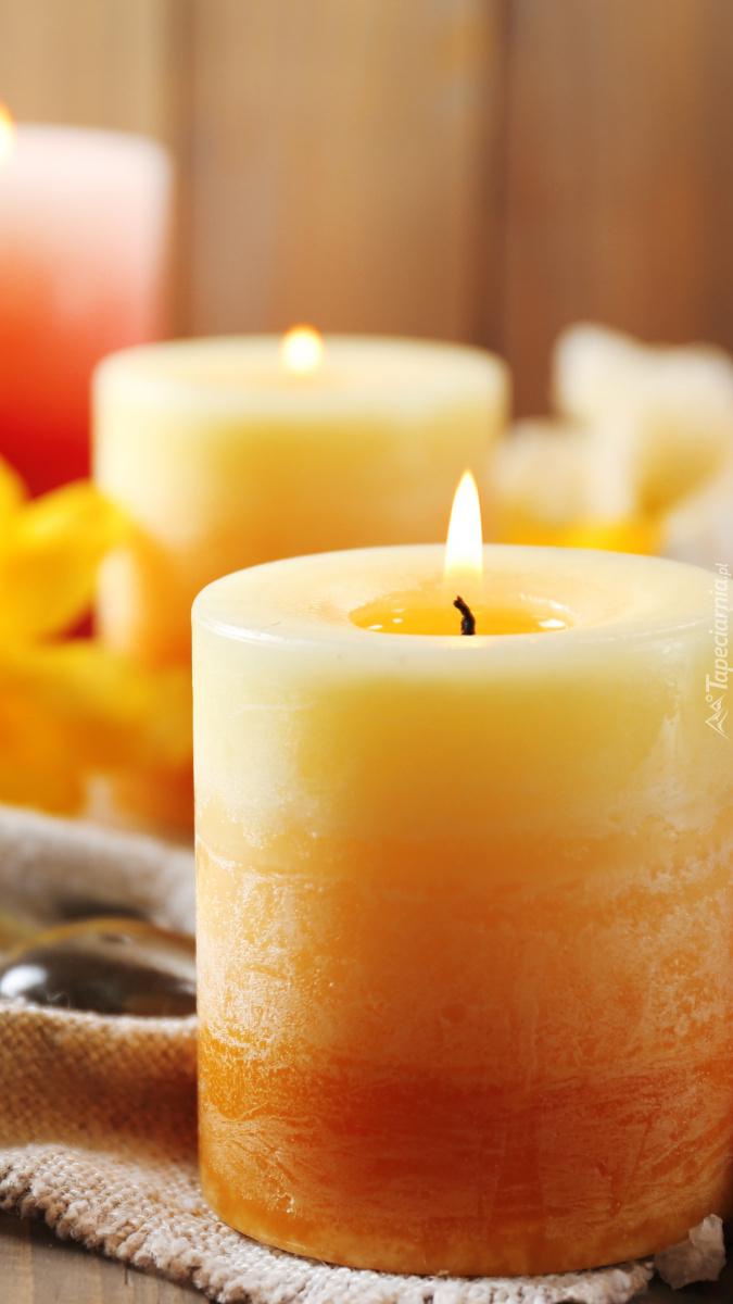 Zapalona świeca