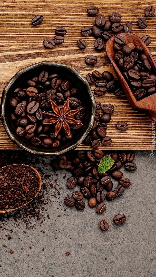 Ziarna kawy na desce