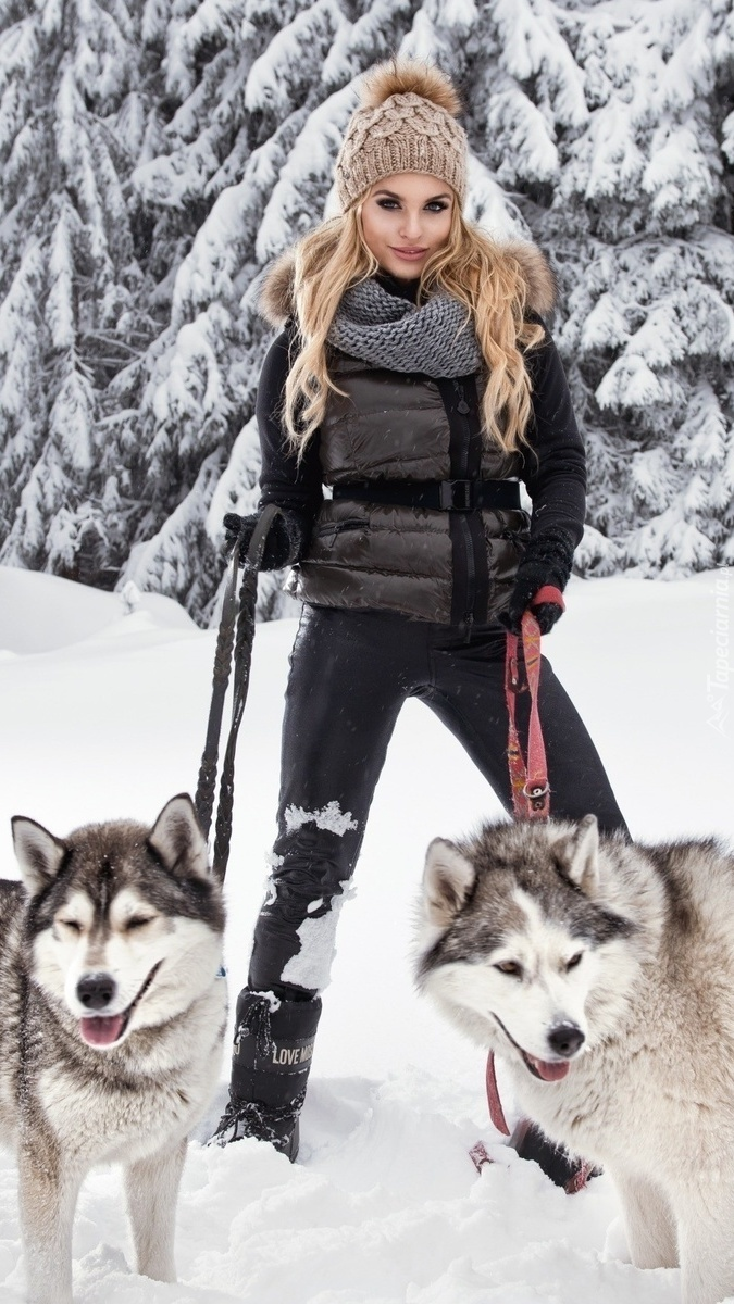 Zimowy spacer z psami