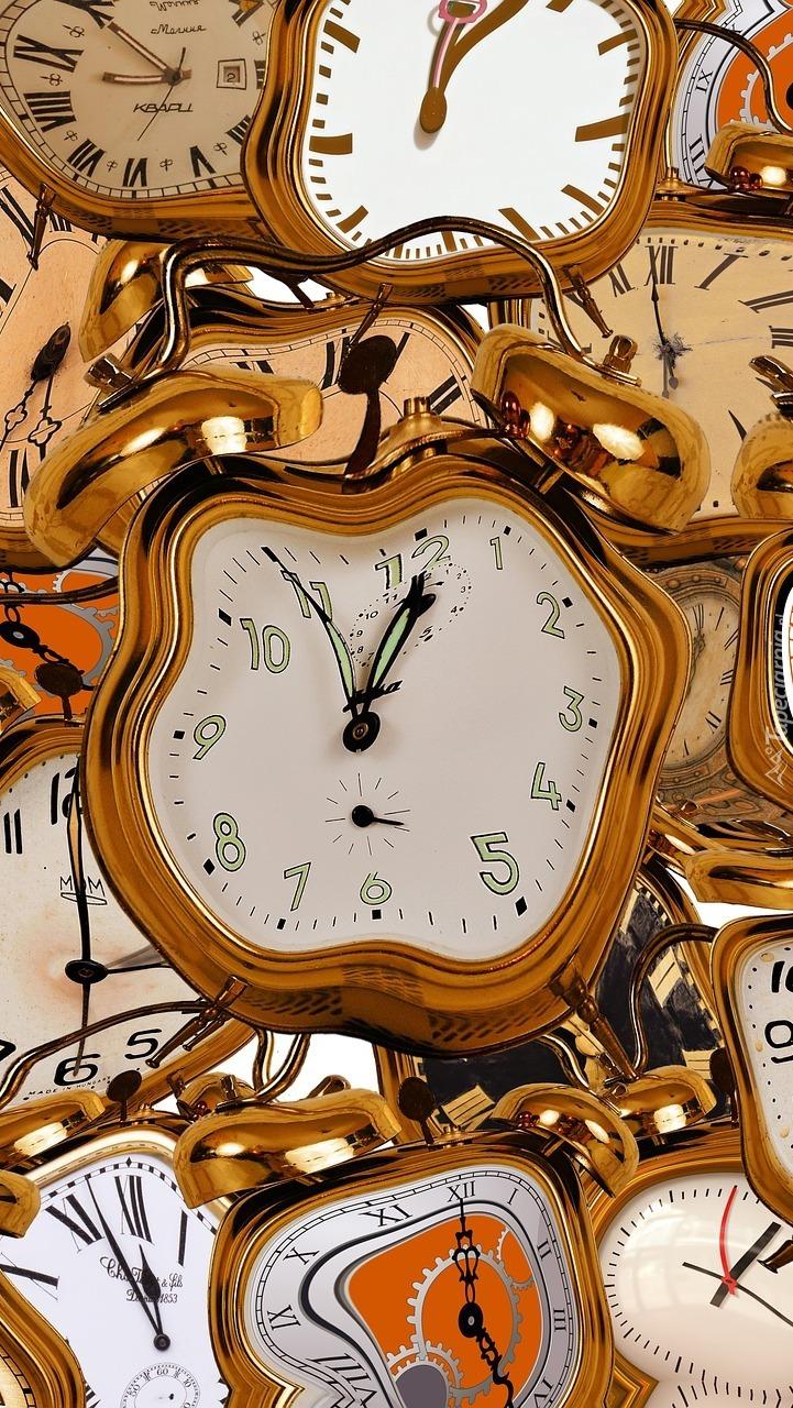 Zniekształcone zegary