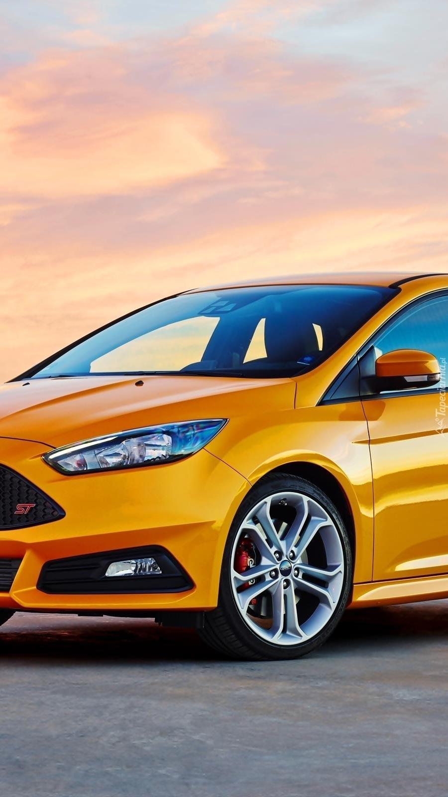 Żółty Ford Focus ST