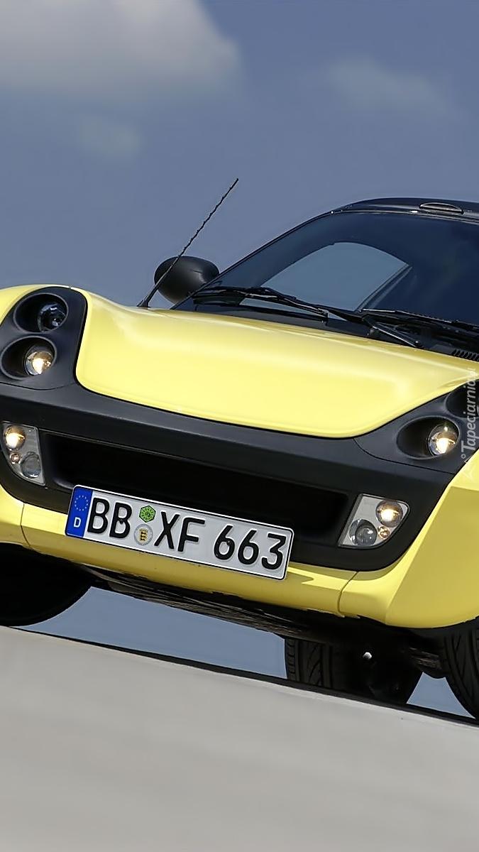 Żółty Smart Roadster