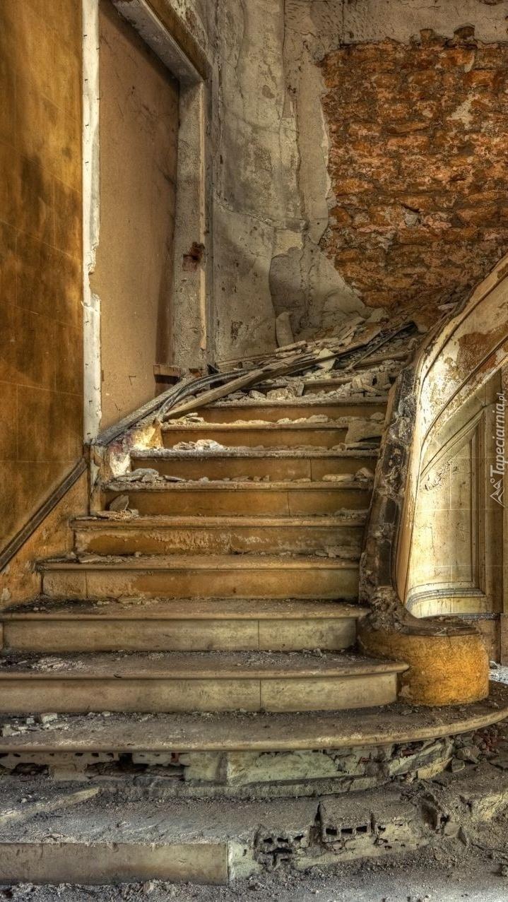 Zrujnowane schody