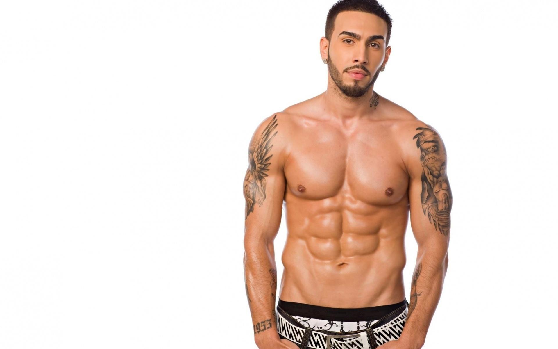 Mężczyzna Brunet Tatuaż Zarost
