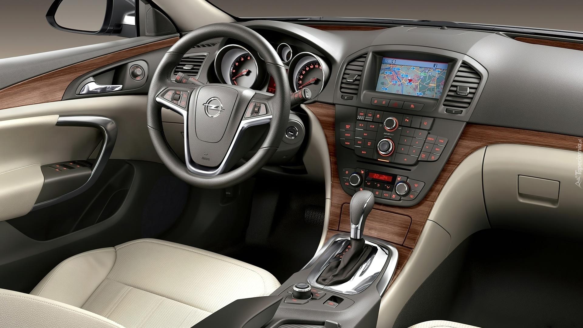 Opel Insignia Cosmo, Wnętrze