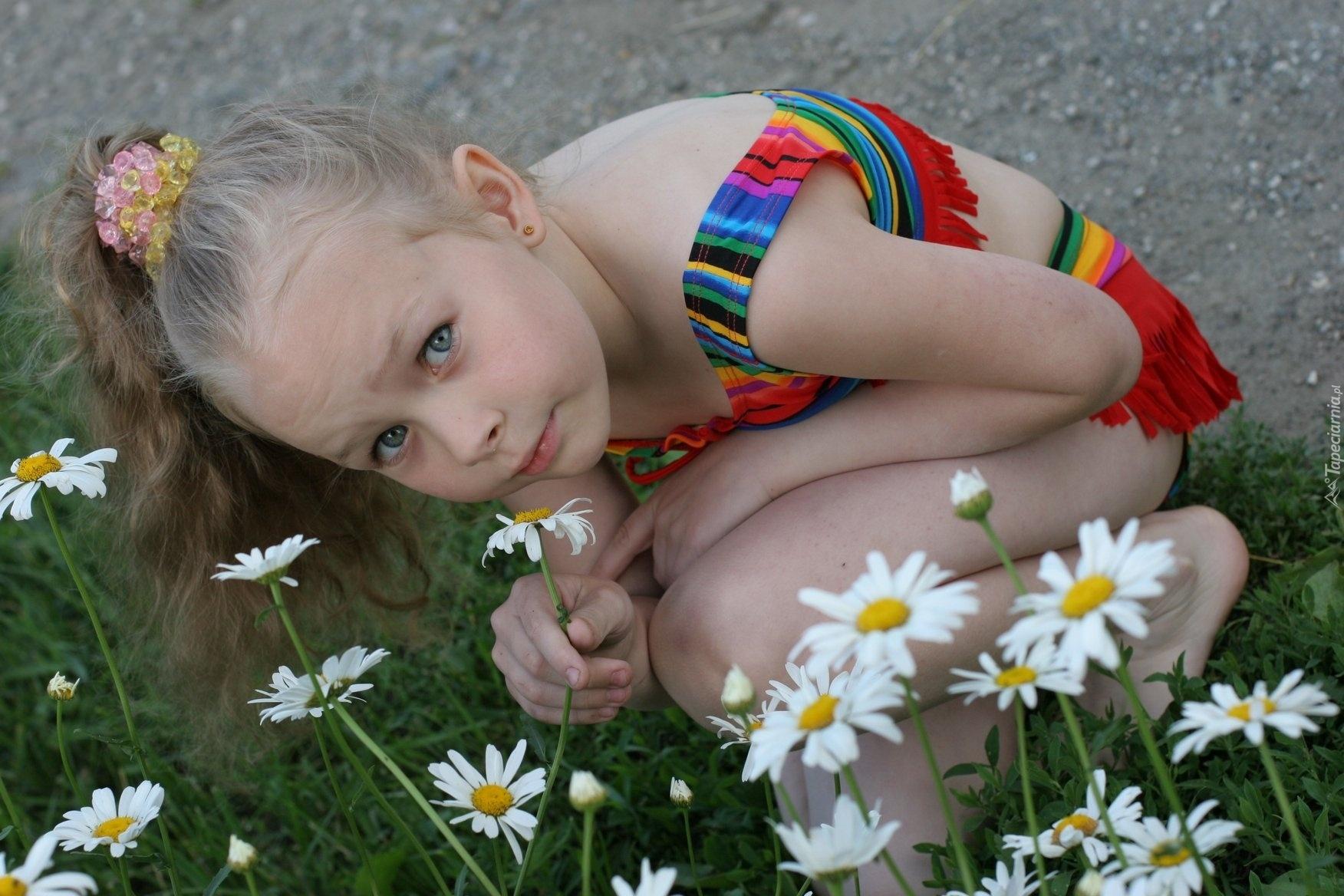 Фото эротика маленькая модель, Девочка созрела? Самые скандальные фотосессии юных 1 фотография
