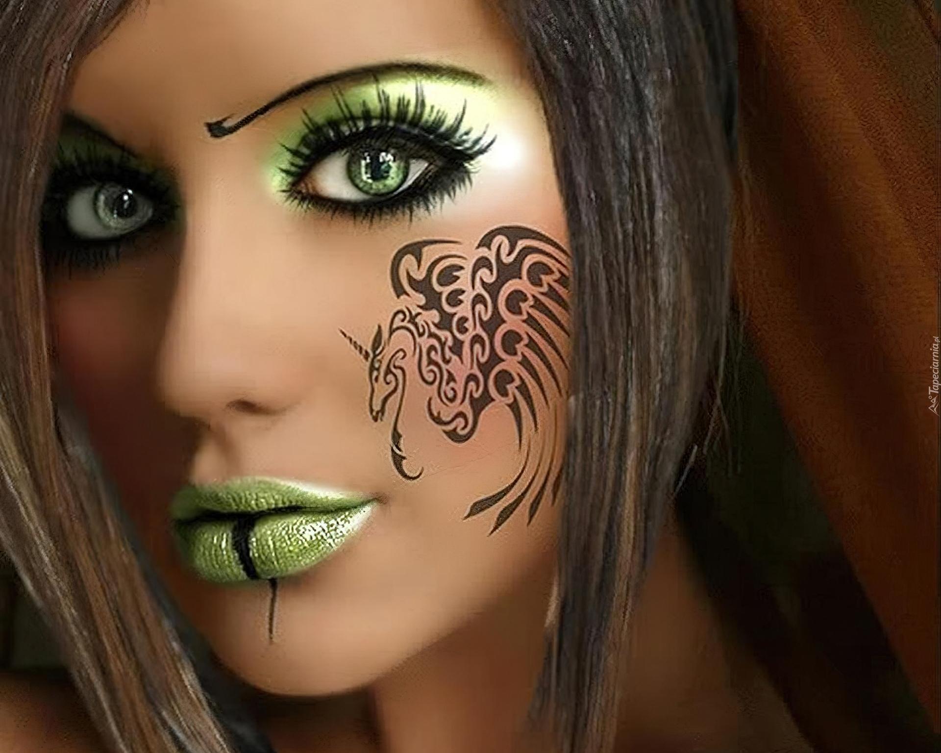 Kobieta Zielone Oczy Tatuaż Makijaż