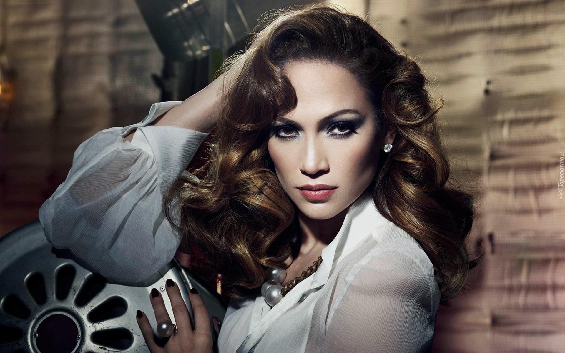 Constance Marie: ekran anne Jennifer Lopez 47