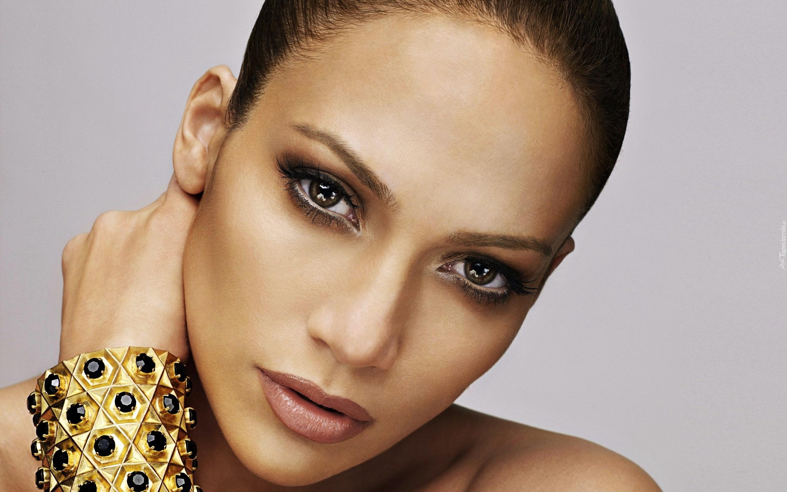 Constance Marie: ekran anne Jennifer Lopez 22