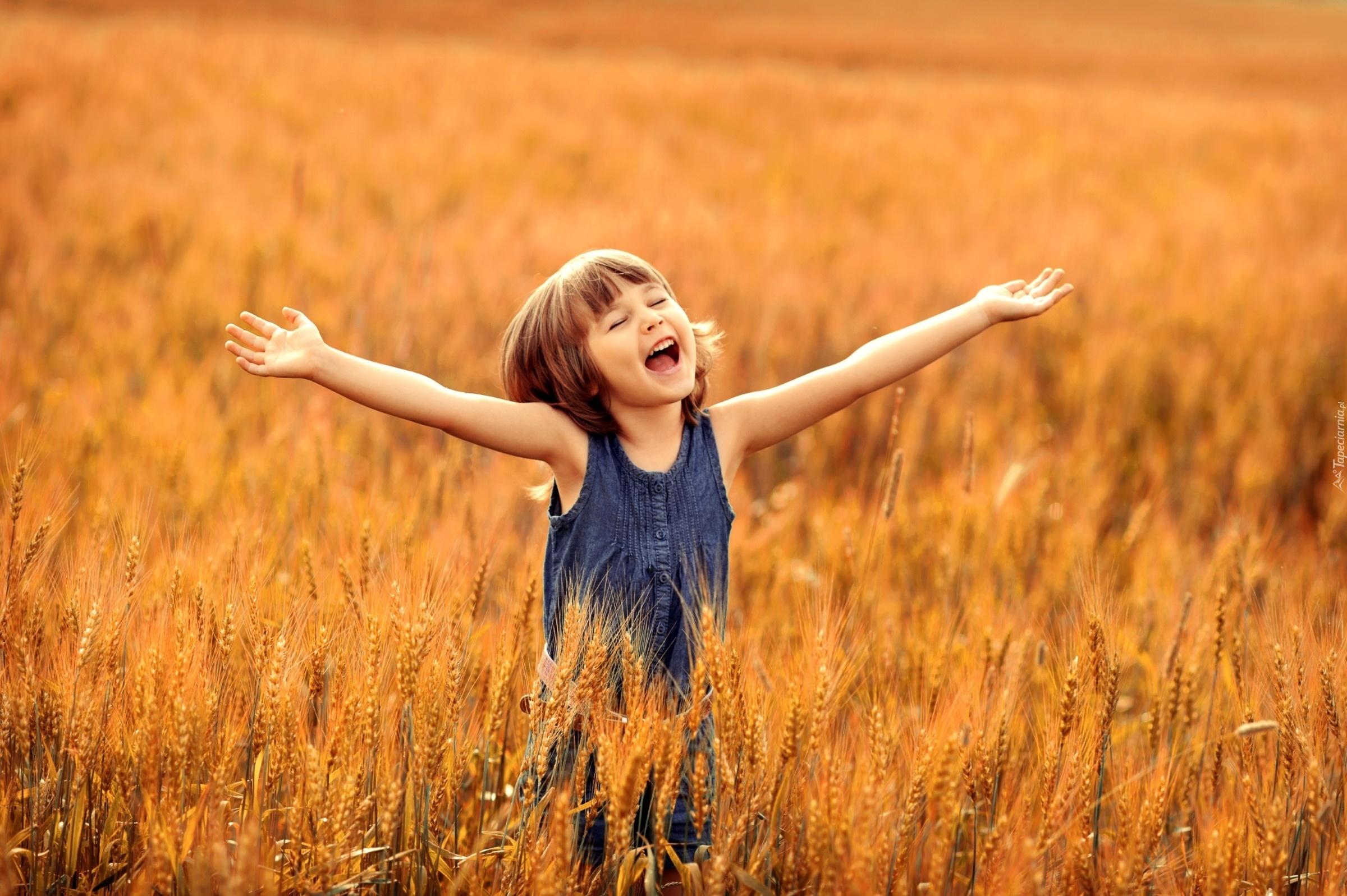 Dziewczynka, Uśmiech, Radość, Zboże, Pole