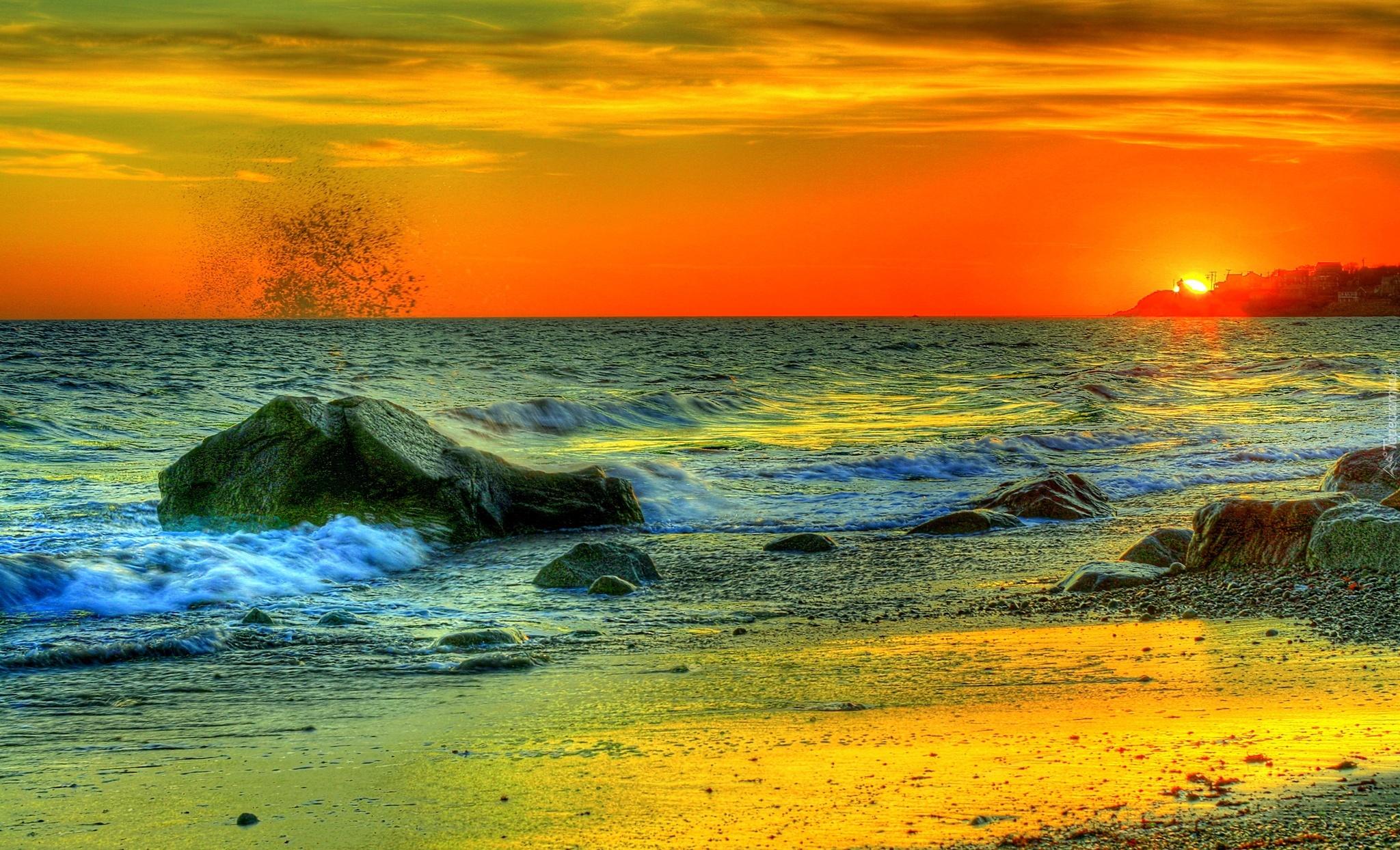 Ярко-оранжевый закат бесплатно