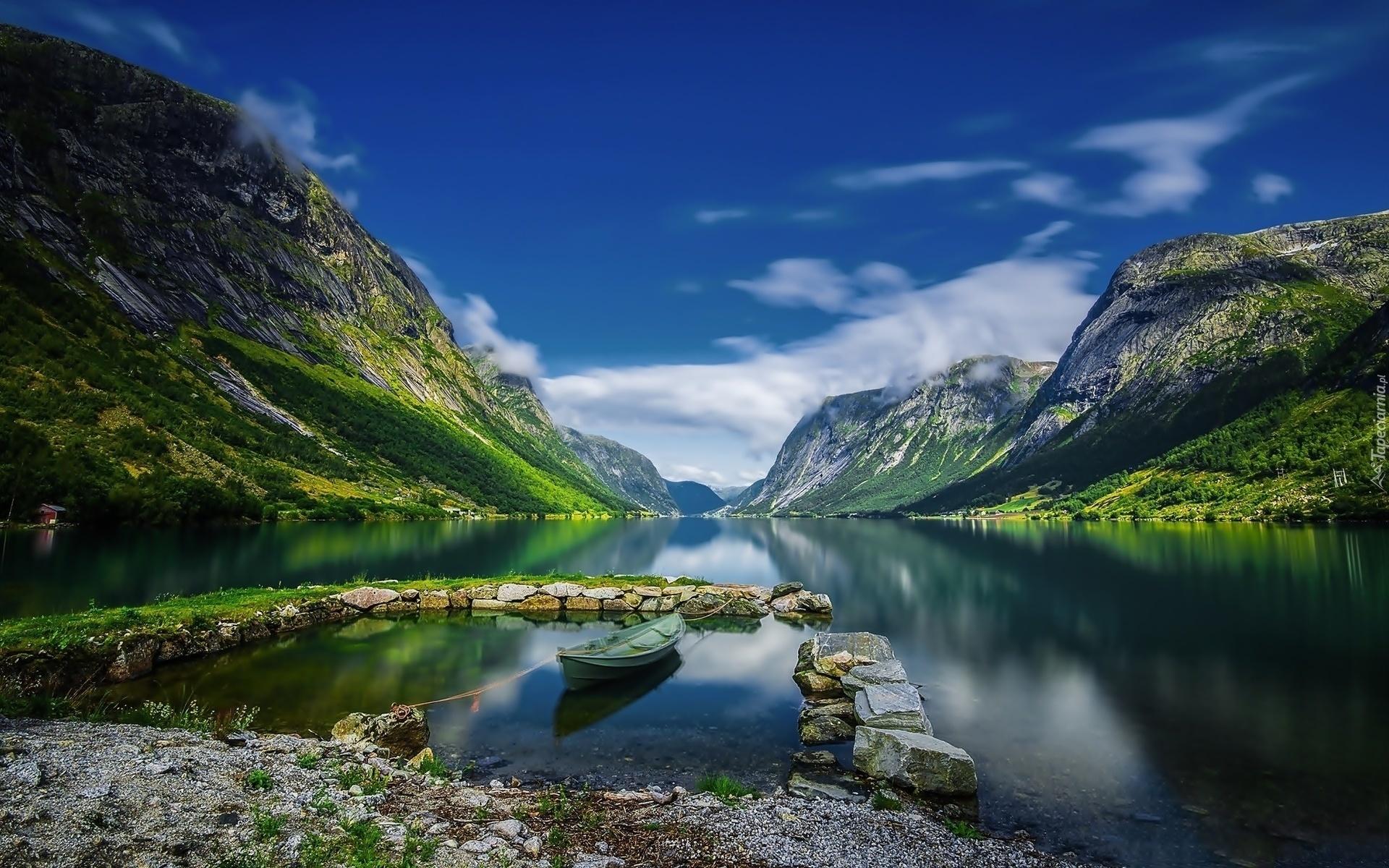 262419_gory_fiord_lodka_kamienie_norwegia