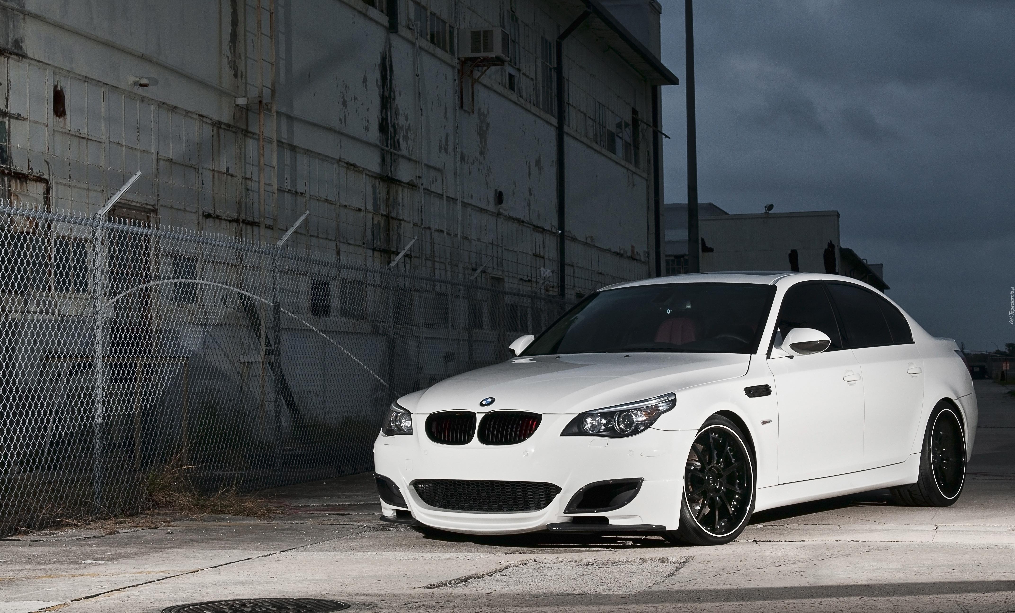 Tapety : BMW 5, E60