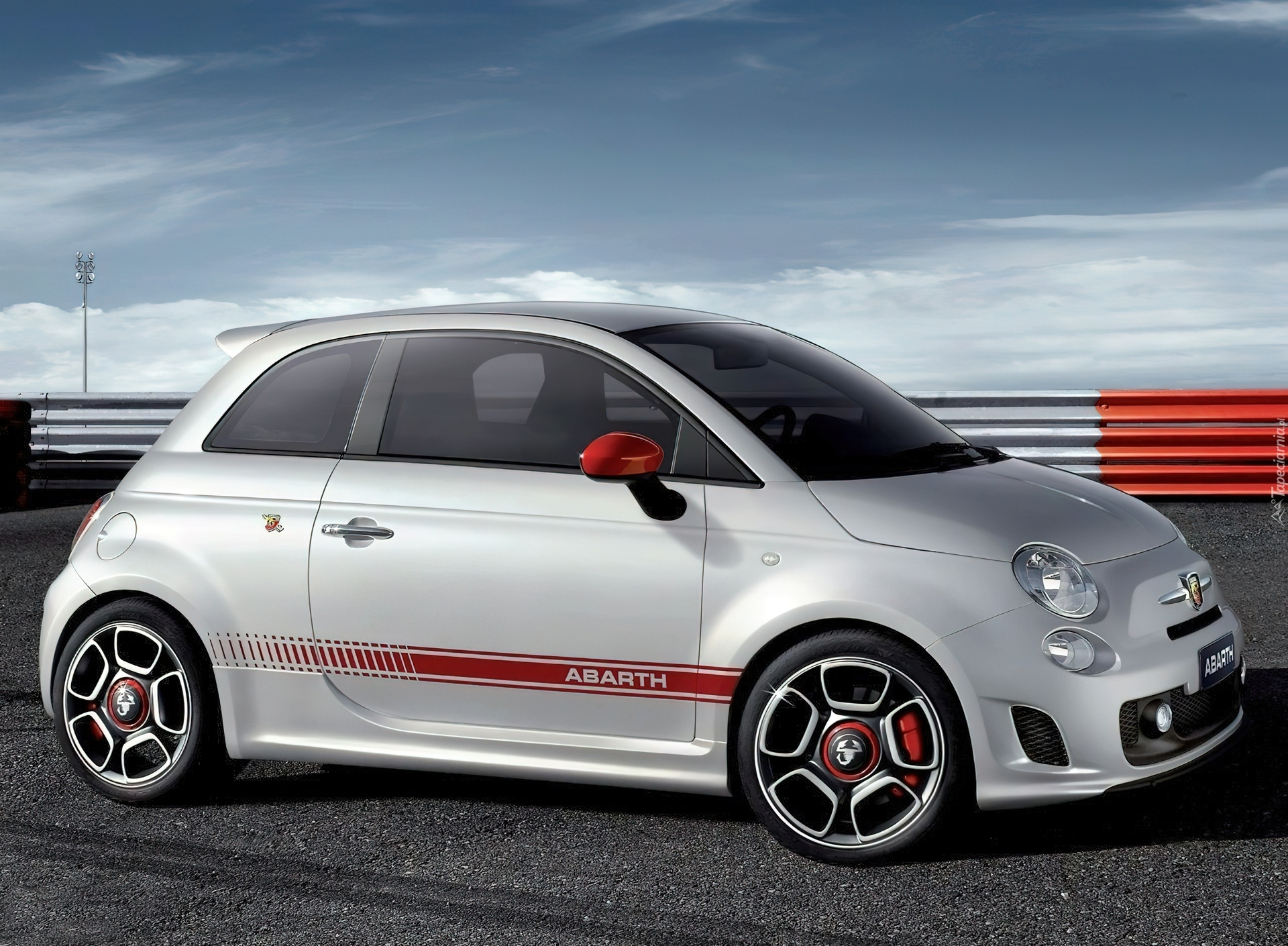 pakiet abarth 500 tor. Black Bedroom Furniture Sets. Home Design Ideas