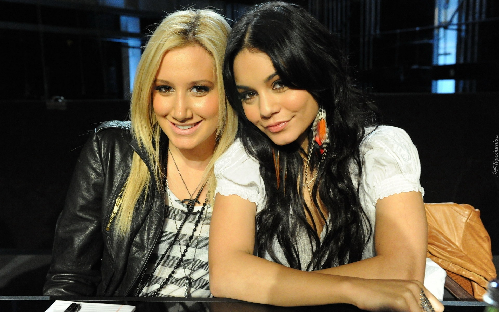 Ashley Tisdale, Vanessa Hudgens