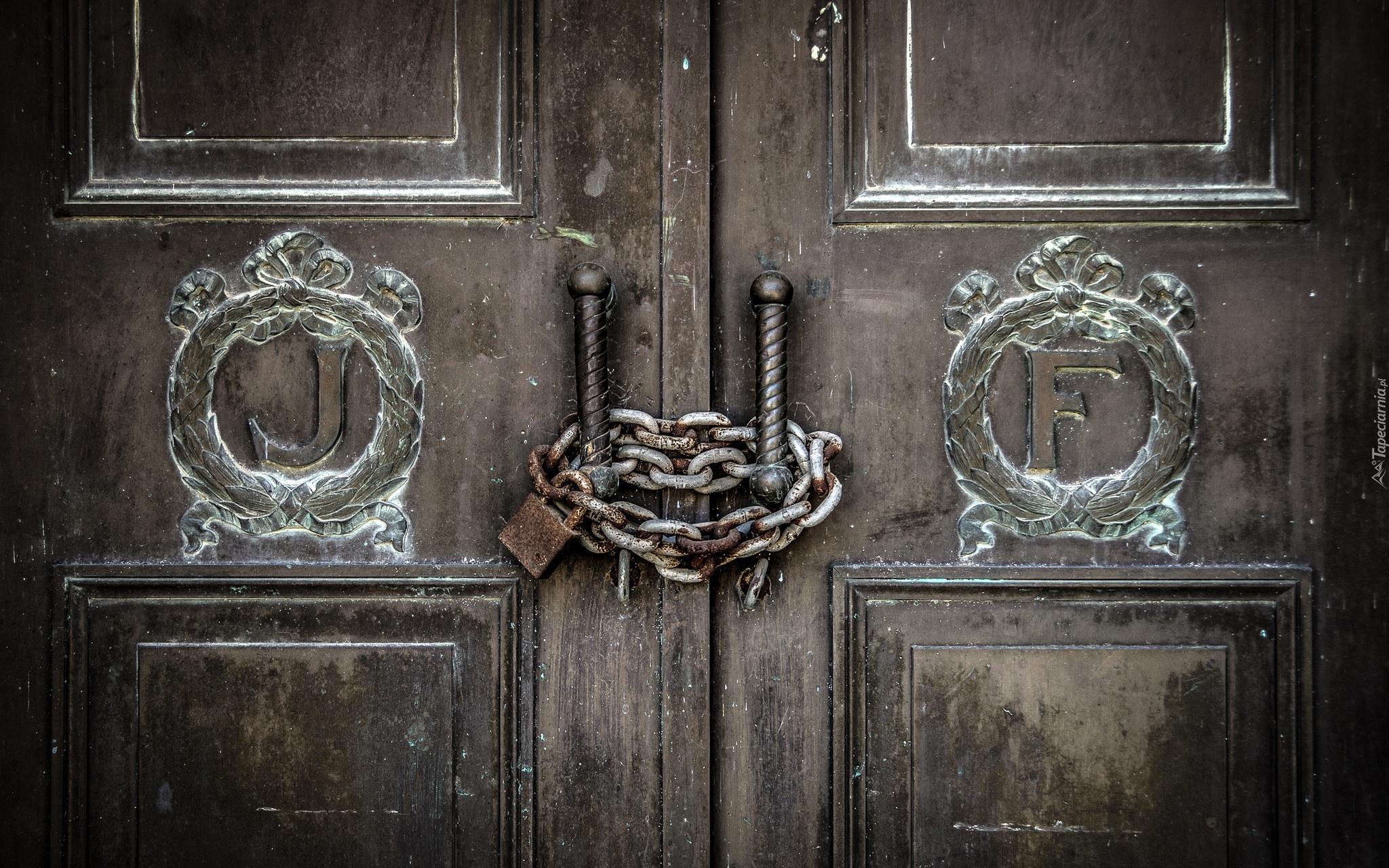 Znalezione obrazy dla zapytania zamknięte drzwi