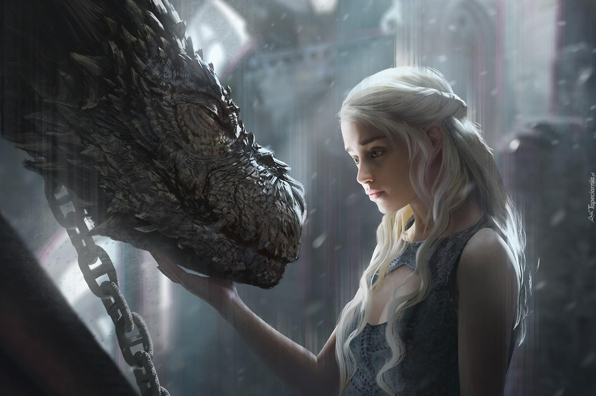 emilia clarke jako daenerys targaryen ze smokiem w serialu gra o tron