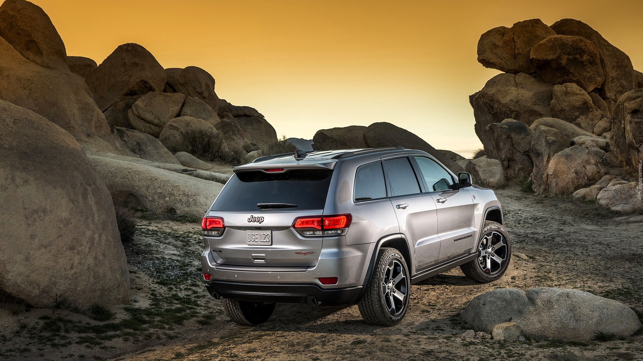 Jeep Grand Cherokee Trailhawk, 2017, Skały