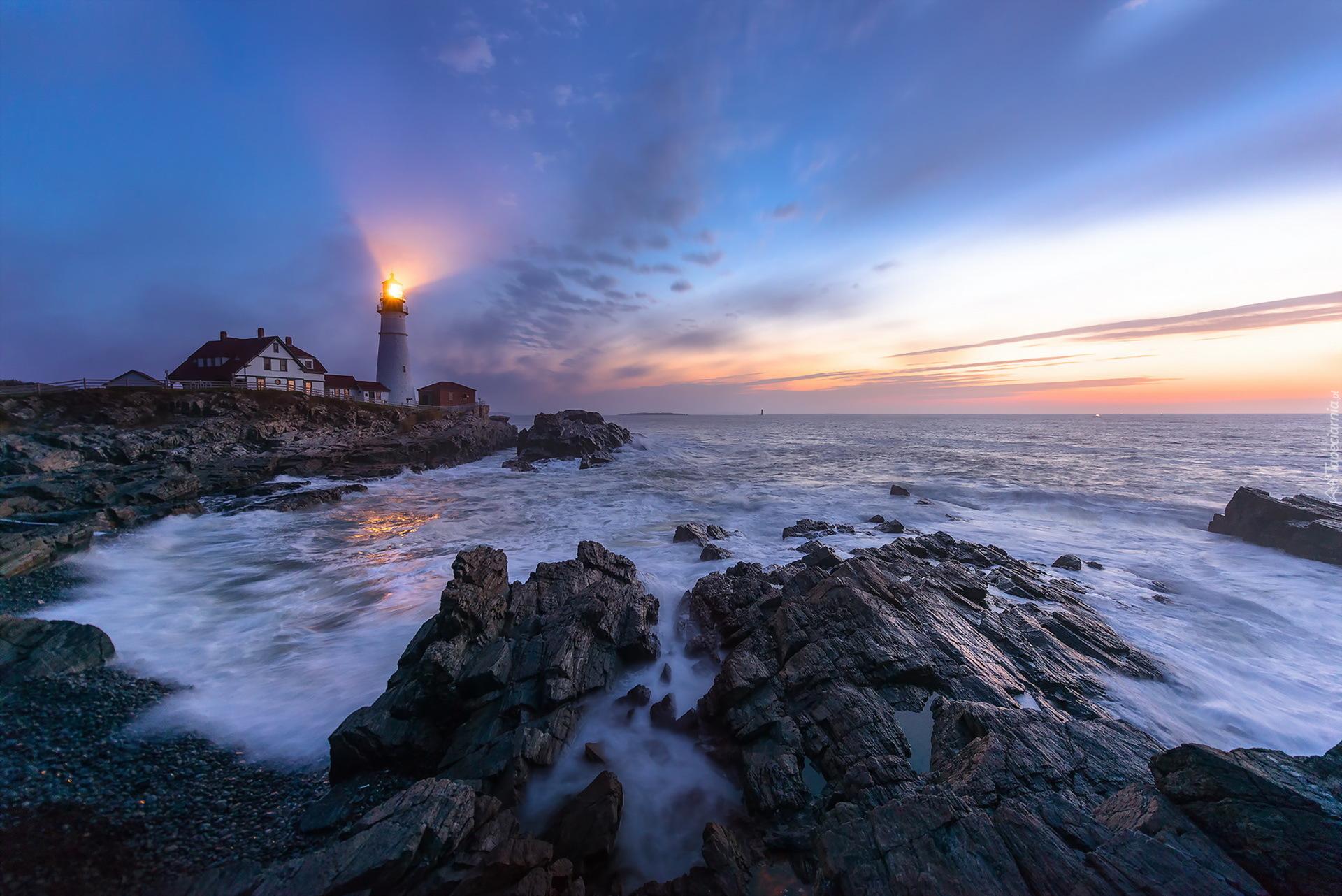 Светящийся маяк бесплатно