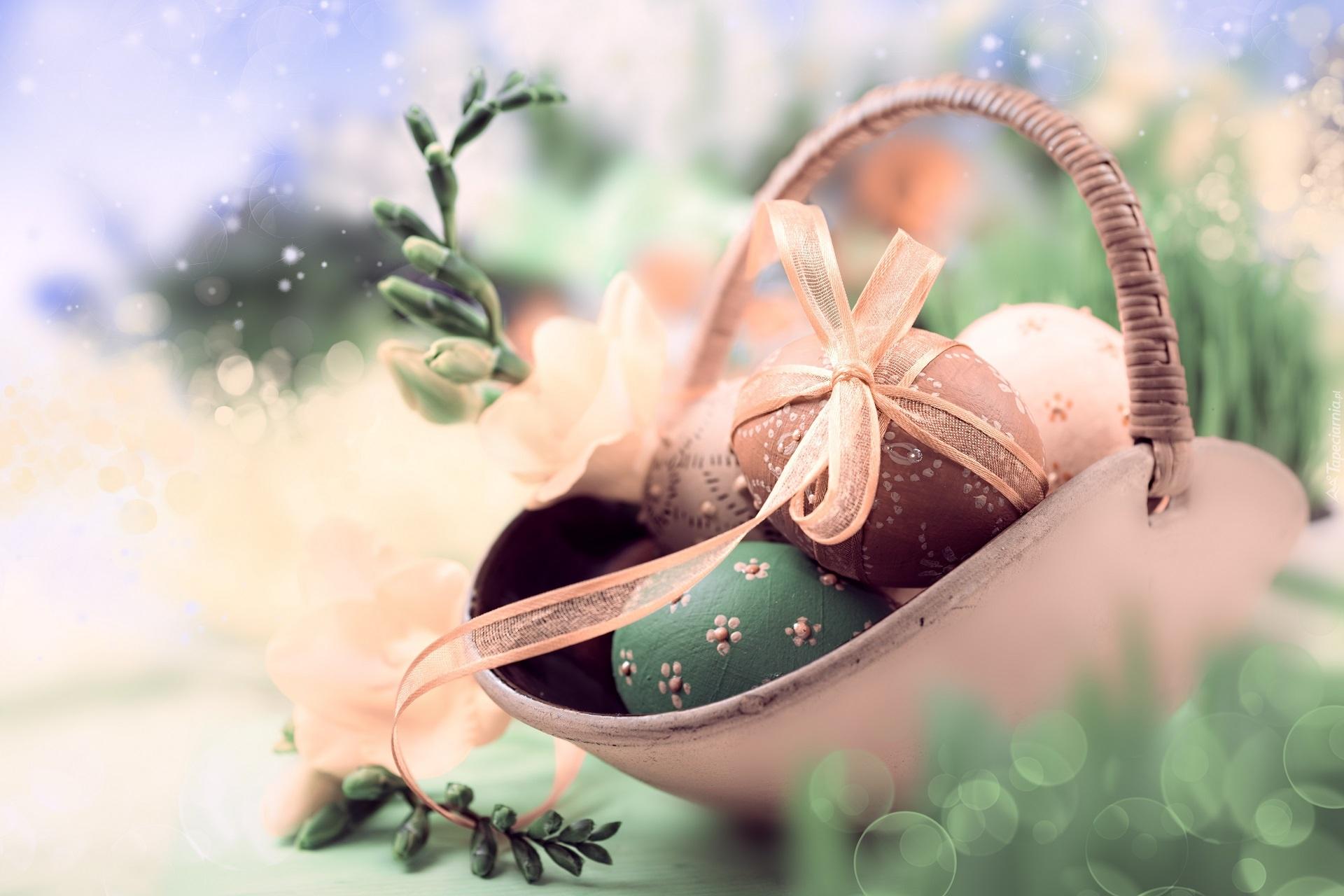Wielkanoc, Koszyczek, Pisanki, Wstążka, Gałązki, Pąki, Frezji