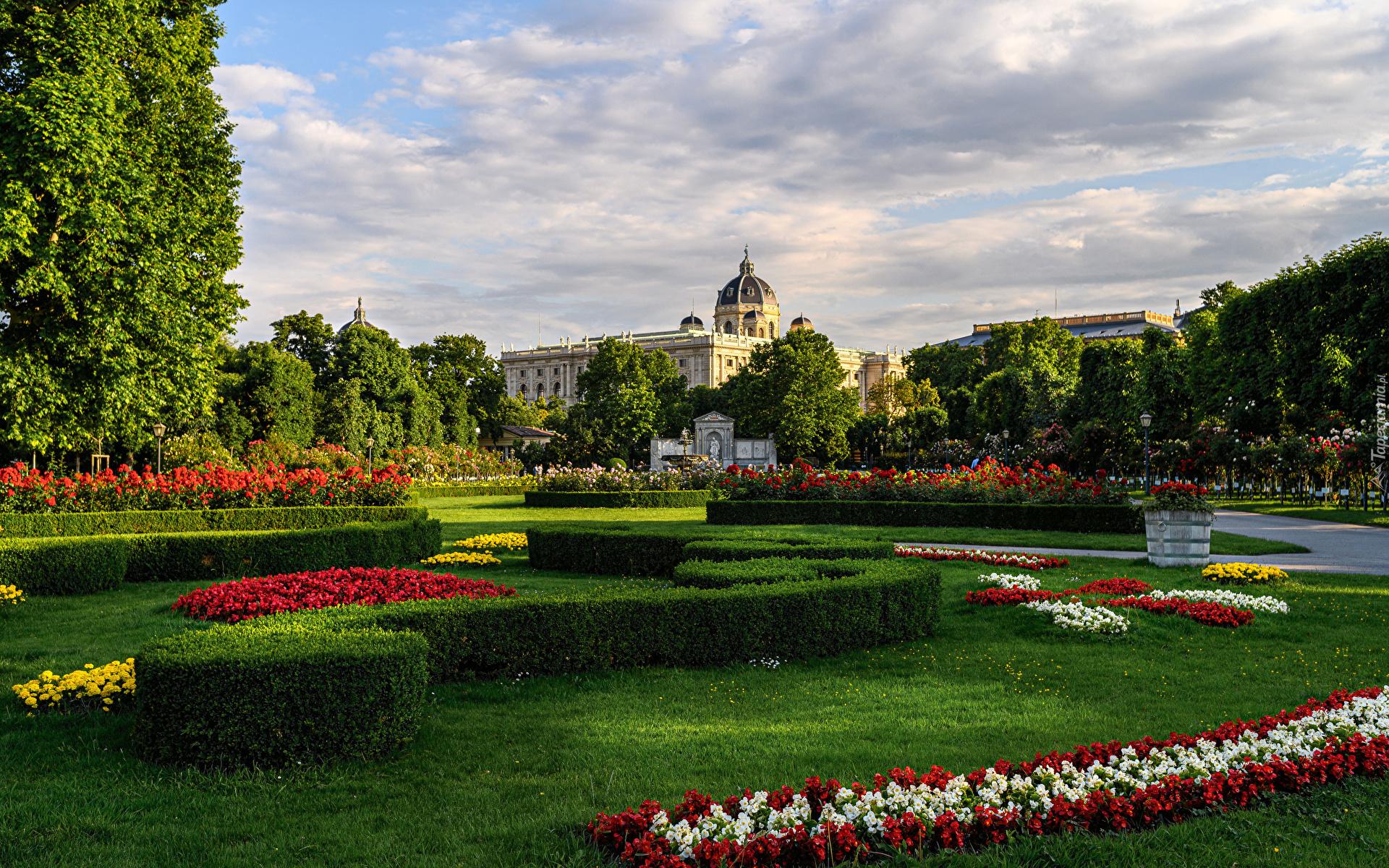 tapeta-widok-z-ogrodu-na-muzeum-historii-sztuki-w-wiedniu.jpg
