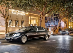 Mercedes Maybach S600, Ulica
