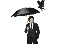 Kit Harington, Parasol, Wrona