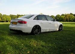 Tapety Audi A4 B8