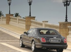 Tył, Bentley Brooklands