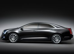 Cadillac XTS, Flagowy, Model