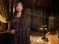 Serial, Camelot, Claire Forlani