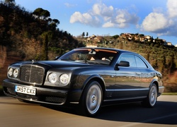 Czarny, Bentley Brooklands