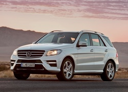 Nowy, Mercedes ML