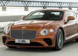 Bentley Continental GT V8 przodem