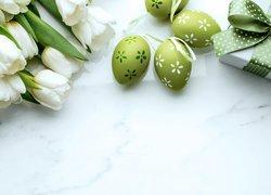 Wielkanoc, Białe, Tulipany, Zielone, Pisanki, Prezent