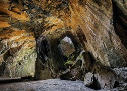 Cathedral Cave w Parku Narodowym Lake District