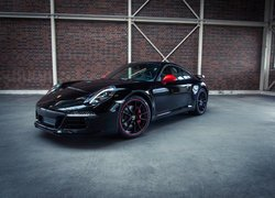 Czarne Porsche 911 Carrera S Exclusive