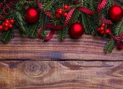 Świerk, Gałązki, Czerwone, Bombki, Jagody, Wstążki, Deski, Dekoracja, Boże Narodzenie