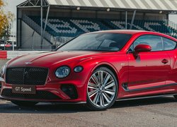Czerwony Bentley Continental GT Speed