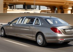 Mercedes-Maybach S, Pullman